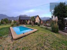 Valle Alegre, casa en parcela, 4 dormitorios, quincho, piscina